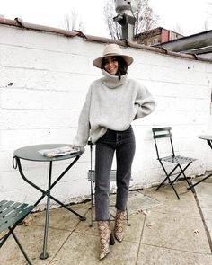 15 Trendy Autumn Street Style Outfits For This Year - fall outfits simple denim outfits fall fashion outfits, cute fall outfits fall outfits fall outfit ideas autumn outfits, 2019 fall fashion trends womens, fall fashion must haves, autumn outfits 2019 Winter Outfits For Teen Girls, Fall Winter Outfits, Autumn Winter Fashion, Winter Clothes, Spring Outfits, Winter Chic, Blazer Outfits Fall, Rainy Day Outfit For Fall, Rainy Outfit