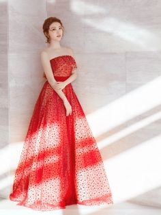 Welcome to the world of Jenny Packham. Explore the latest Bridal & Ready to wear Collections, Runway Shows, Celebrities, The White Carpet, Events and more. Strapless Dress Formal, Prom Dresses, Formal Dresses, Red Gowns, Tulle Gown, Chinese Actress, Stunning Dresses, Ball Gowns, Ready To Wear
