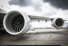 """Boeing 747-800. Newest """"Queen of the sky"""" - I love design of her engines - GEnx by General Electric!"""