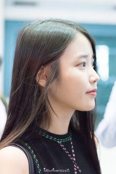 IU STUDIO :: 150830 아이유 인천공항 입국 by 미스터신iu