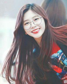 JiU Extended Play, South Korean Girls, Korean Girl Groups, Asian Woman, Asian Girl, Kim Min Ji, Gfriend Sowon, Soyeon, Girl Bands