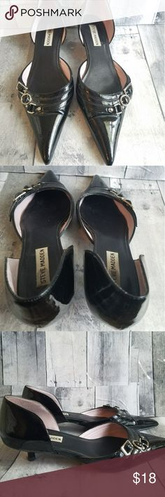 🌹EUC STEVE MADDEN black pointed toe shoes EUC STEVE MADDEN black pointed toe low kitten heeled shoes with buckle detail. There is some minor staining inside the shoes but they are in otherwise great condition. Steve Madden Shoes Heels