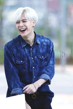 Happy Birthday Jackson!! Wishing you all the best, thank you for being amazing!! We love you! <3 #HappyJacksonDay #IGOT7