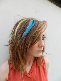 http://www.aheadofhair.biz/feather-hair-extensions--headfeathers.html