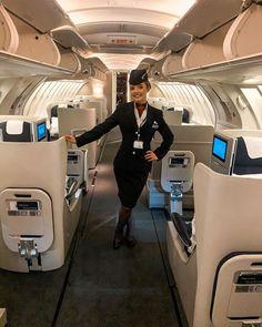 British Airways Cabin Crew, Flight Girls, Airline Uniforms, Upper Deck, Flight Attendant, Travel Images, Most Beautiful Women, Huda Beauty, Travel Style