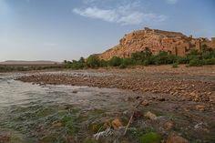 OUARZAZATE CASTLE  Shot whit #Canon 6D and 24-105mm F4.0  Sei lì in mezzo all'acqua e al fango con il terrore dei serpenti sì ancora alzi il capo e vedi svettare questo castello argilloso circondato da una macchia verde che ti toglie il fiato.  #marocco #morocco #maroccostyle #marocco #maroccotrip #maroccotour #maroccotravel #moroccotravel #moroccotrip #moroccotours #morocco #ourzazate #ourzazatefilmstudios #ourzazatemorocco #nature #natura #landscapephotography #landscape #travel…