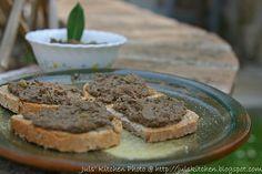 La cucina di nonna Menna: i crostini neri - Juls' Kitchen (pate - love that Tuscan pate, hope this brings me back the way it did for Juls)