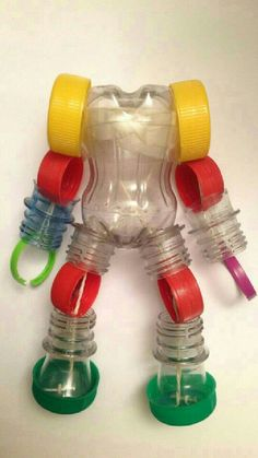33 Ideas for pet bottle crafts Plastic Bottle Crafts, Bottle Cap Crafts, Recycle Plastic Bottles, Recycled Bottles, Recycled Art Projects, Recycled Crafts, Plastik Recycling, Diy For Kids, Crafts For Kids