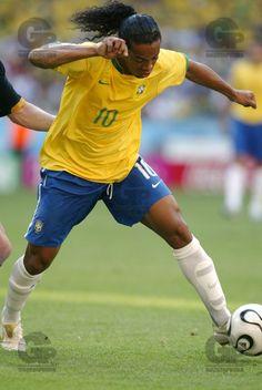 Ronaldinho Gaúcho, da Seleção Brasileira, durante jogo, o Brasil venceu por 2x0, com gols de Adriano e Fred. - Allianz Stadium - Munique - Alemanha - 18/06/2006