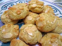 Moroccan Ghoriba Cookie Recipes - List of Ghoriba Recipes: Ghoribas with Sliced Almonds