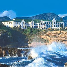 Our honeymoon spot / The Magnificent Windsor Hotel on the cliffs of Hermanus, with the most spectacular views The Beautiful Country, Beautiful Places, Windsor Hotel, South Africa Tours, Honeymoon Spots, Vacation Days, Holiday Places, Out Of Africa, Pretoria