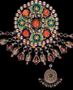 Algeria | Fibula ~ Tabzimt ~ from the Beni Yenni | Silver, cloisonné enamel and coral | Est. 3 500 - 4 000€ (Dec '13)