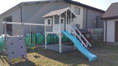 Witam Mam Do Zaoferowania Drewniany Domek Plac Zabaw Dla Dzieci W Sklad Placu Zabaw Wchodzi Domek Na Podesci Play Houses Outside Playhouse Kids Play Area