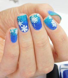 Picture Polish Snowflakes #nailart #snowflakes #christmasnails #picturepolish #freyascats #calm