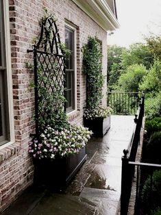 Landscaping Ideas – A yard is a place where families and friends get together and should reflect your unique designing ideas and taste. Here are some wonderful ideas from professional landsc…  #LandscapingIdeas