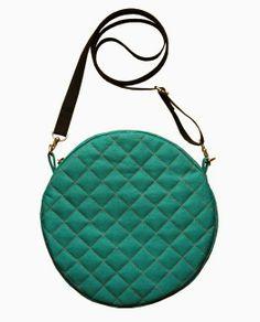 lukola handmade // Okrągła torebka pikowana - morska zieleń z czarnym paskiem