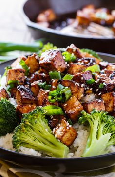 Asian Garlic Tofu- marinated in a sweet and spicy sauce and seared until crispy. Asian Garlic Tofu is a vegetarian meal full of salty, sweet, and spicy flavor. Tofu Broccoli Recipe, Spicy Tofu Recipes, Tofu Dinner Recipes, Tasty Vegetarian Recipes, Vegetarian Dinners, Vegan Recipes Easy, Cooking Recipes, Tofu Broccoli Stir Fry, Asian Broccoli