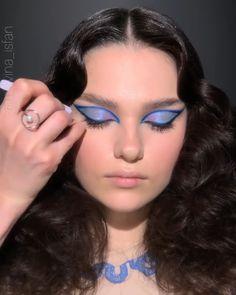 Dope Makeup, Edgy Makeup, Eye Makeup Art, Kiss Makeup, Eyeshadow Makeup, Glitter Makeup Looks, Blue Makeup Looks, Purple Lipstick Makeup, Blue Eye Makeup