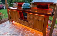 Now THAT is a Big Green Egg table. Wowee! Great Big Green Egg Table Idea