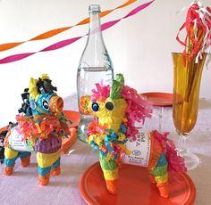 Mini Tabletop Pinata with 6 Prizes - TOPS Malibu