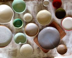 bowls and plates Plates And Bowls, Clay Creations, Pottery, Tableware, Ceramics, Dinnerware, Pottery Pots, Dishes, Ceramica