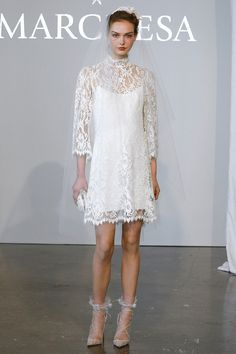 this hort wedding by Marchesa is so classy and romantic