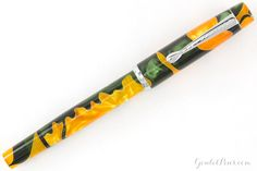 Noodler's Konrad Acrylic Flex Fountain Pen - Emeralds on the Sun