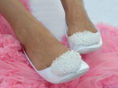 Benefits of Flat Wedding Shoes - Glam Bistro