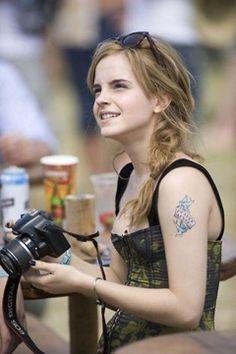 Atomic Vision: Photography Cinema Visual Arts: Celebrities And Their Cameras: Emma Watson #bags #fashion