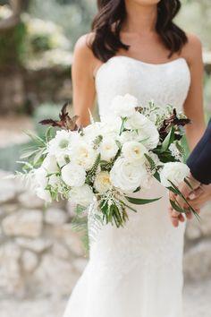 White + ivory bouquet | Photography: Brandon Kidd