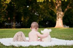 Meredith Hunt Photography: Harper   6 month portraits; would use a stuffed bunny and ape ;)