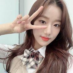 South Korean Girls, Korean Girl Groups, April Kpop, Just Girl Things, Tumblr Girls, Ulzzang Girl, Korean Singer, Daily Fashion, Kpop Girls