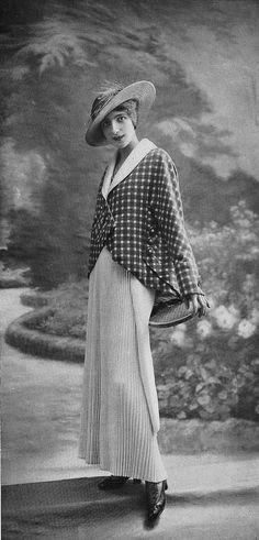 https://flic.kr/p/dG8BMy | Costume de Tennis 1914 | Les Modes (Paris) 1914 Costume de Tennis par Bernard