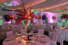 Curly willow definitely adds to an arrangement   Wedding Cakes | High end Floral Design | Pedestals Floral Decorators