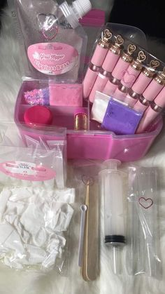 Here's where the magic begins💕 Our Bestselling Lip gloss Base and Kits are the prefect choice for your DIY and Business needs. Everything you need to start your very own lip gloss business . Lip Gloss Homemade, Diy Lip Gloss, Lip Gloss Tubes, Farmasi Cosmetics, Homemade Cosmetics, Benefit Cosmetics, Diy Gifts To Sell, Gloss Labial, Lip Kit