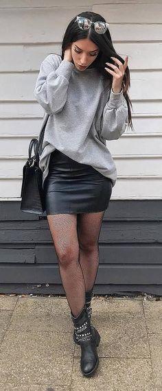 fb62d54a78 black and grey outfit   sweatshirt + leather skirt + bag + boots Faldas De  Cuero