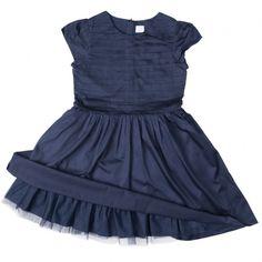 a0d587ca504a Festfin klänning med puffärm. Klänningen är fodrad och har en underkjol i  tyll. Överdelen