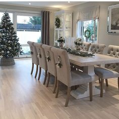 ✨ Cred: nina hofland ✨ Dining room table and c. ✨ Cred: nina hofland ✨ Dining room table and chairs Dining Room Table Decor, Elegant Dining Room, Luxury Dining Room, Dining Room Walls, Dining Room Design, Dining Room Furniture, Living Room Decor, Grey Dining Room Chairs, Dinning Room Ideas