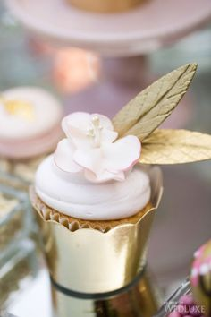 ~ The Christmas Party ~ Elegant Cupcakes, Gold Cupcakes, Fancy Cupcakes, Wedding Cupcakes, Tea Cupcakes, Pretty Cupcakes, White And Gold Wedding Cake, Pink And Gold, Champagne Party