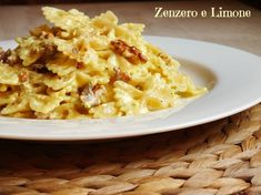 PASTA con CRESCENZA e CURRY