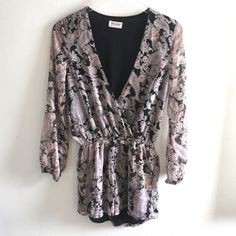 7e81cd807f87 Love Sadie Paisley Shorts Romper Black Pink Long Sleeve Lined Women Size XS   fashion