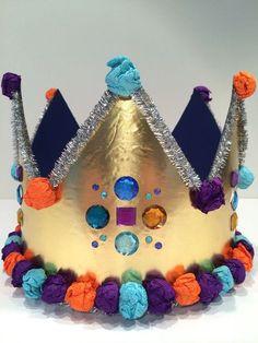 Warum dürfen immer nur Kleinkinder eine Geburtstagskrone haben? Ich finde das doof! Vielleicht möchte ein erwachsenes Geburtstagskind auch mal für einen Tag König sein und eine Krone auf dem Kopf tragen dürfen. Das ist einfach mal was anderes und garantiert der absolute … Weiterlesen →