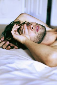 Image via We Heart It #beard #bed #boy #eyes #good #goodmorning #guy #handsome #lips #morning #sexy #sleep #sleeping #wakeup