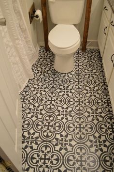 How to Paint an Ugly Linoleum Floor. Wow this looks amazing!