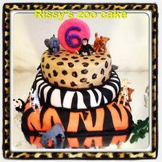 Zoo themed birthday caked