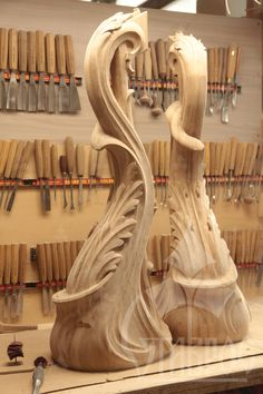 Резные столбы в стиле Модерн. Эта прекрасная пара, выполненная из массива дерева, может стать главным украшением не только будущей лестницы, но и всего дома. Carved pillars in the Modern style. This lovely pair is made from solid wood, can be a part not only of the staircase, but the whole house.