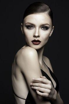Sexy Classic Portraits Photography Examples (3) #fashionphotographystudio
