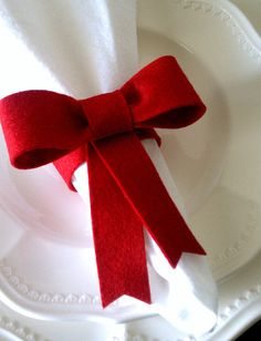 Felt bow napkin rings