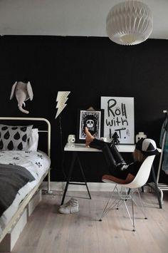 Modern boy bedroom :: black and white kid room kinderzimmer schulkind, teen