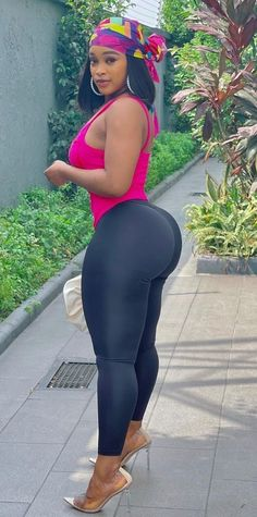 Thick Girls Outfits, Curvy Girl Outfits, Thick Girl Fashion, Curvy Women Fashion, Vrod Harley, Sexy Curves, Beautiful Black Women, Sexy Women, Instagram